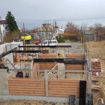 Бриз, Варна, Изграждане на кофраж за втора плоча на къща 4