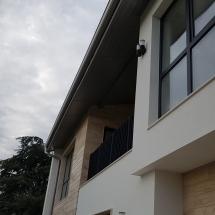 Втори етаж от къща с тераса